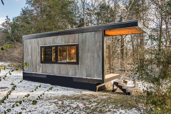 The corrugated exterior echoes an old, corrugated shed on author Cornelia Funke's Malibu property.