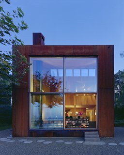 A Sculptural Steel Abode on Lake Geneva Is Up For Auction - Photo 12 of 12 -