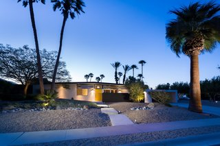 A Donald Wexler Midcentury in Palm Springs Is Listed For $725K