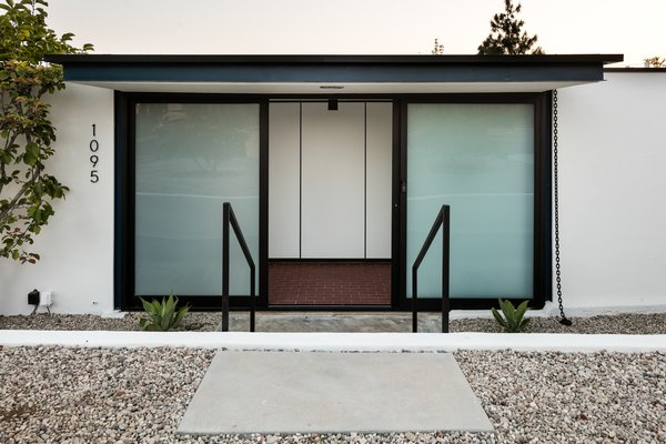 Here is a look at the elegant entrance.