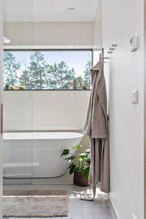 The zen-like bathroom.