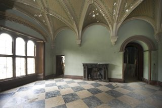 The original vaulted ceilings set a very grand scene.