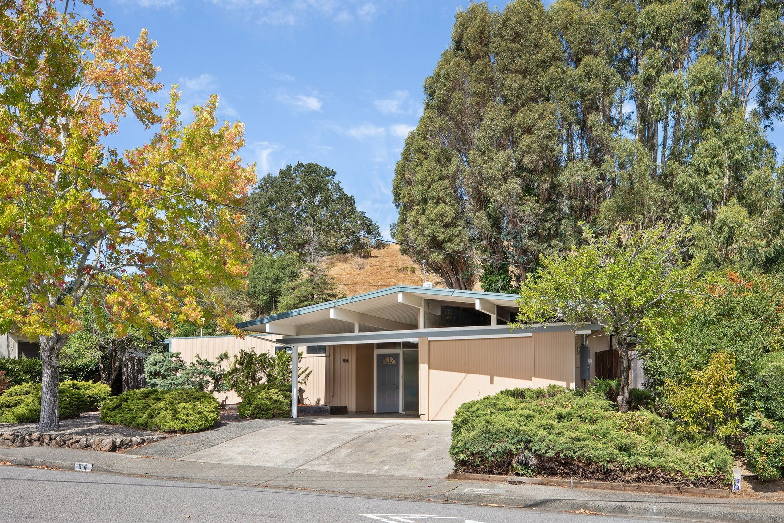 An Updated Eichler in the Bay Area Lists For $1.25M