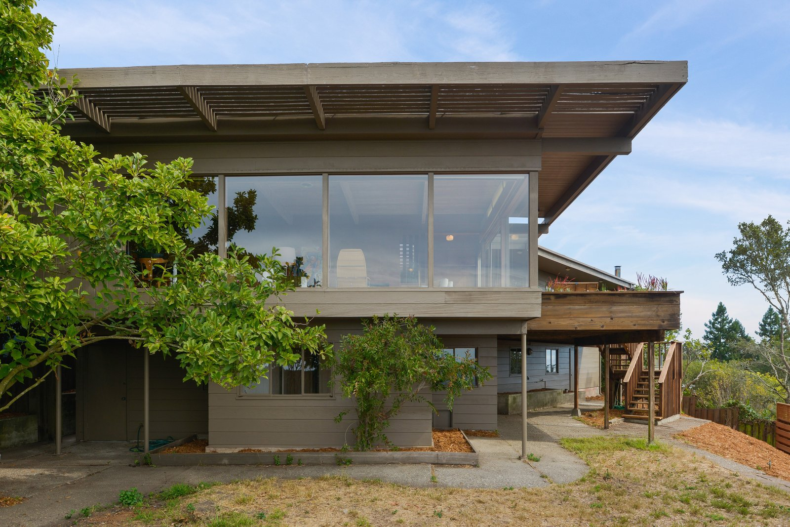 A Berkeley Midcentury With Jaw-Dropping Views Asks $945K