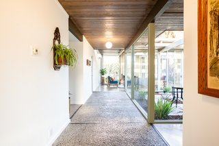 Thecentral atrium was a signature feature of many Eichler models.