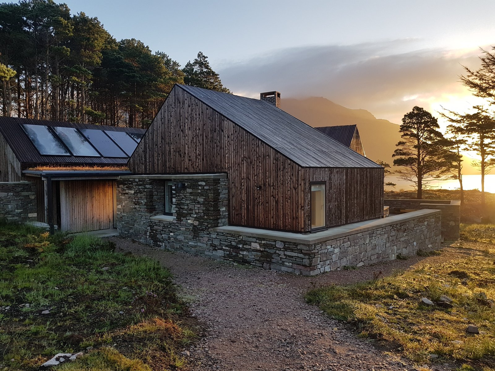 Haysom Ward Miller's Off-Grid Lochside House Is RIBA House of the Year 2018