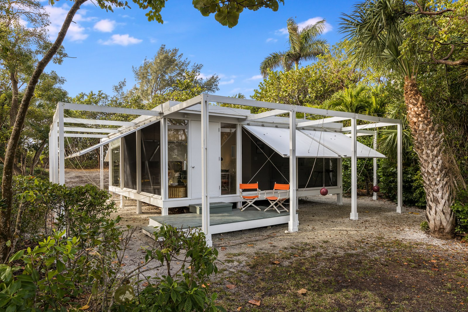 Paul Rudolph's Walker Guest House Needs a New Owner—and Preservationist