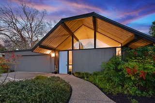 A Space-Age Eichler in Walnut Creek Just Listed For $1.6M