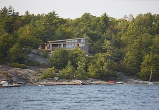 Turkel Design's Georgian Bay House Energy Conscious in the Canadian Shield - Photo 2 of 5 -