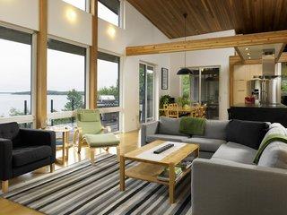 Turkel Design's Georgian Bay House Energy Conscious in the Canadian Shield - Photo 4 of 5 -