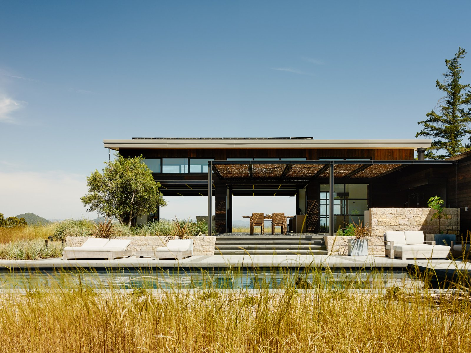 Articles about 7 indoor outdoor homes northern california on Dwell.com