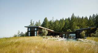 The home rests on a 40-acre property in Healdsburg, a quaint town in California's winemaking region.