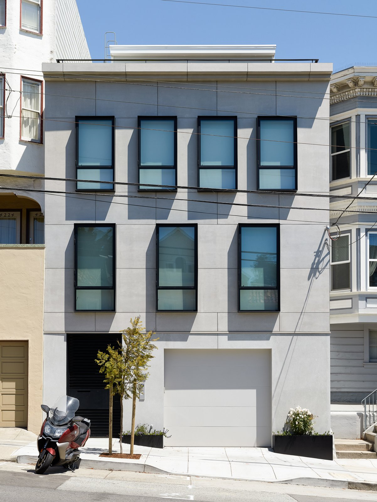 Exterior and Apartment Building Type  Noe Valley III by Feldman Architecture