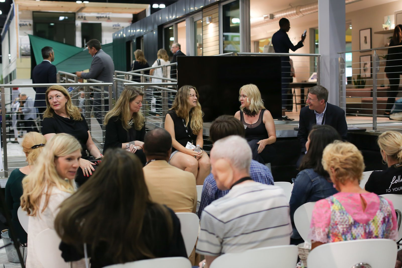 Dwell's president and CEO Michela O'Connor Abrams moderated a panel on the relationship between technology and design. The panelists were (from left to right) Gretchen Hansen, founder and CEO of Decorist; Jaime Derringer, founder and executive editor of Design Milk; Lisa Blecker, director of marketing at Resource Furniture; and Lou Lenzi, director of industrial design at Monogram.  Photo 5 of 6 in Monogram Modern Home Tour Joins the Los Angeles Design Scene