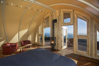 The tent fabric guards against the torrential wind and rain that can sweep through Big Sur. Parr customized the entryway with glass to maximize the oceanfront views.
