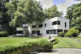 10 Bright White Cubist Homes Across the Globe - Photo 4 of 10 -