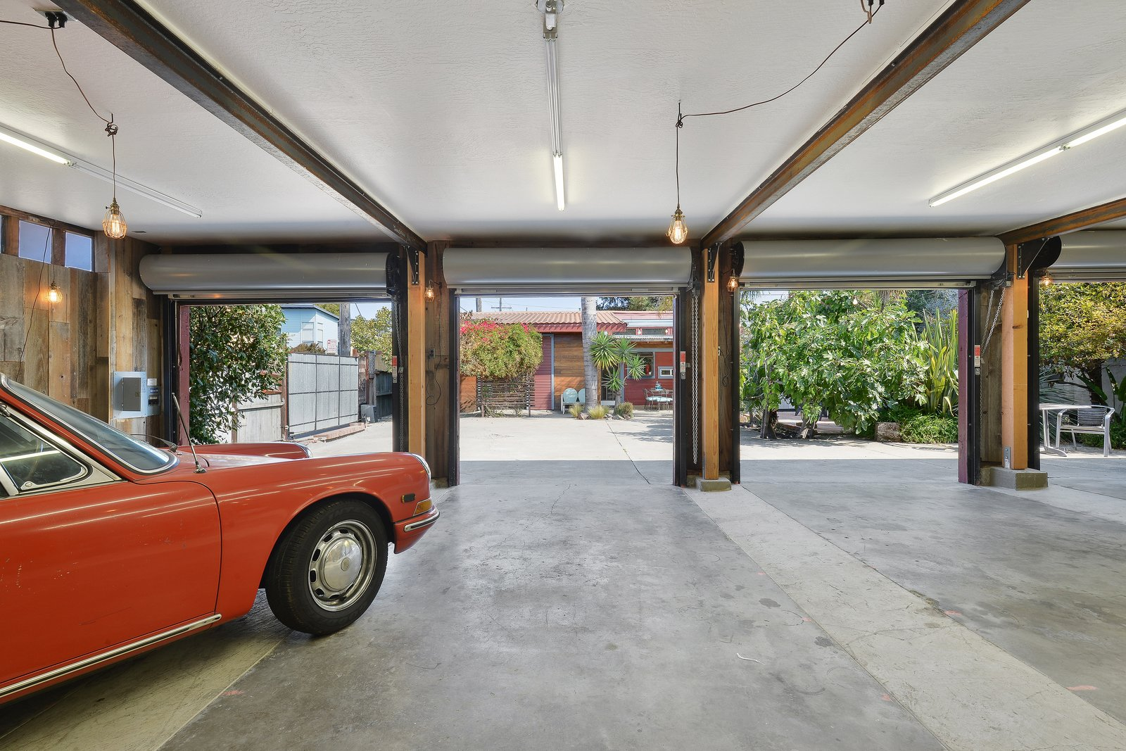 Photo 7 of 12 in Artists Need Apply: This Midcentury Home Comes With an All-Purpose Workshop for $949K