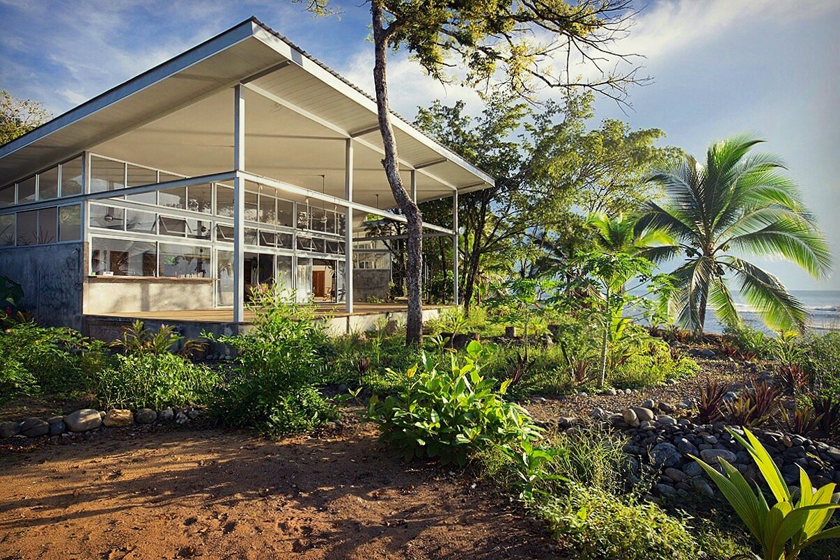 A Community-Oriented Vacation Rental in Panamanian Paradise