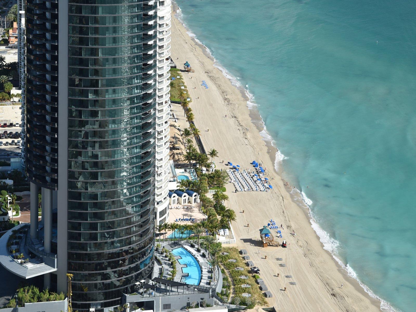 Photo 2 Of 11 In Porsche Designs Lavish Residential Tower In Miami