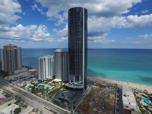 Porsche Design's Lavish Residential Tower in Miami Lifts Residents and Cars Sky High