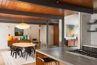 This Post-and-Beam in Pasadena Offers Classic California Living For $1.9M - Photo 4 of 11 -