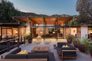 This Post-and-Beam in Pasadena Offers Classic California Living For $2M