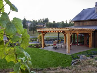 Sustainable Redwood Stars in an Oregon Architectural Showcase