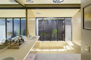 Offered at $899K, a Restored Midcentury Abode Shines in Southern California - Photo 8 of 13 -