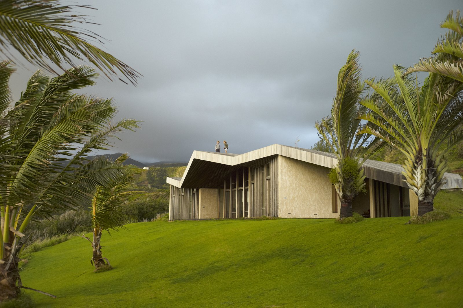 Echoing the Surrounding Cliffs With a Zigzag Roof, This Maui Home Asks $2.4M