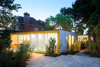 Fully Renovated, Wimbledon House by Richard Rogers Hosts New Architecture Fellows in London - Photo 5 of 13 -