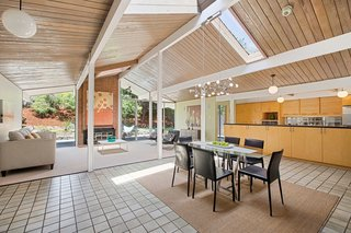 Real Estate Roundup: 10 Midcentury Modern Eichlers For Sale - Photo 3 of 10 -