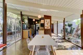Real Estate Roundup: 10 Midcentury Modern Eichlers For Sale - Photo 7 of 10 -