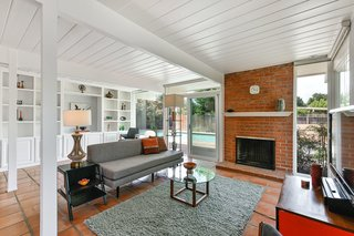 Real Estate Roundup: 10 Midcentury Modern Eichlers For Sale - Photo 9 of 10 -