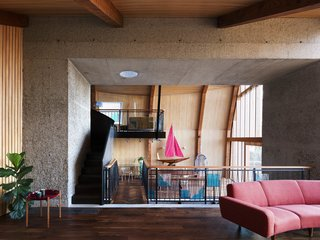 Resembling the Inverted Hull of a Ship, an English Guest House Pays Homage to the Harbor - Photo 8 of 13 -