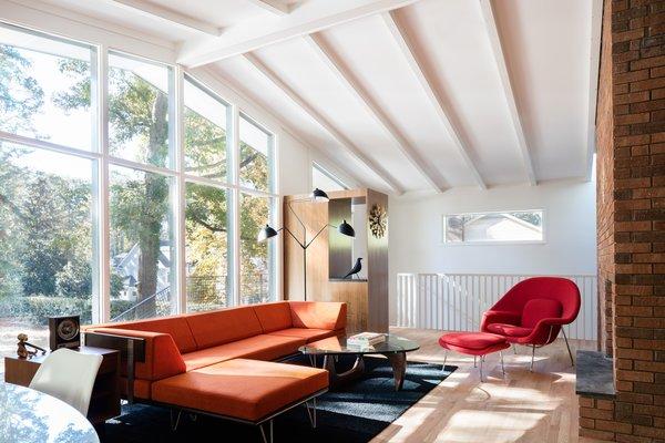 10 Timeless Midcentury-Modern Homes