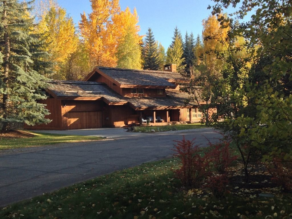 Photo 2 of 12 in Where to Stay During the 2017 Total Solar Eclipse