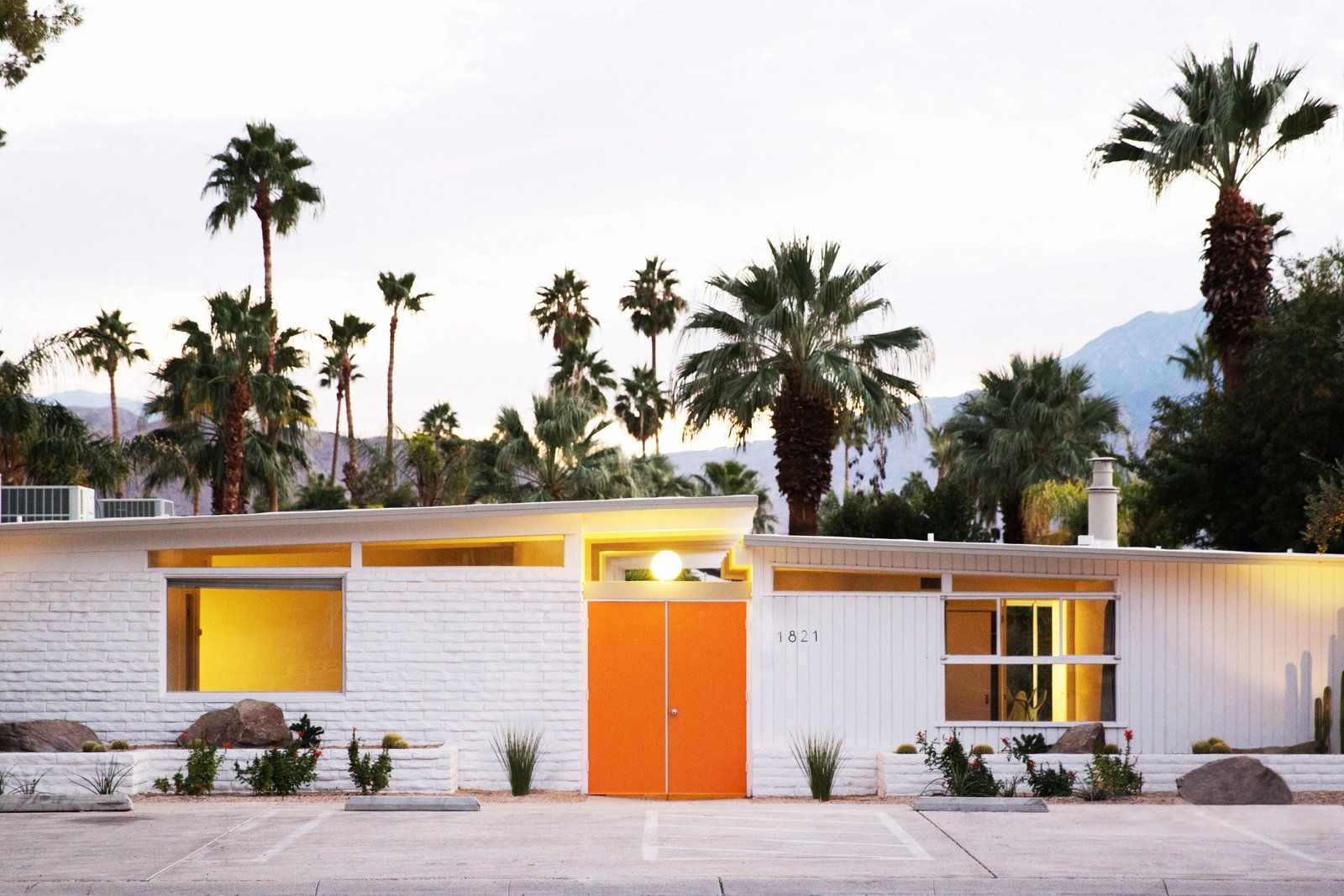 A Celebrated Palm Springs Hotel Asks 18m Dwell