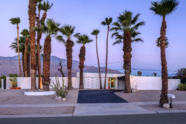 A Donald Wexler Designed Midcentury Home In Palm Springs