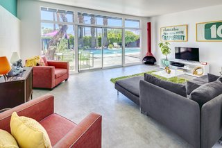 A Donald Wexler-Designed Midcentury Home in Palm Springs Asks $599K - Photo 1 of 10 -