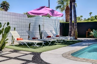 A Donald Wexler-Designed Midcentury Home in Palm Springs Asks $599K - Photo 10 of 10 -