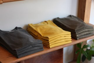 """A Visit To LA'S County Ltd. – """"T-shirts & Chairs"""" - Photo 2 of 11 -"""