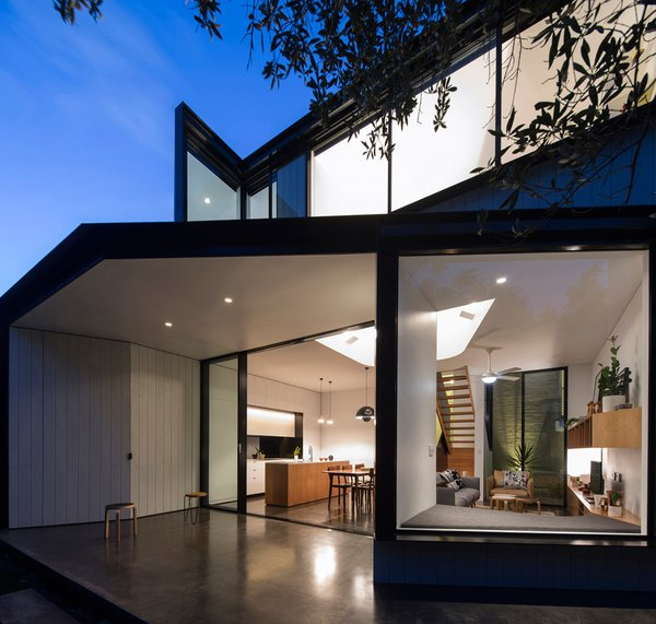 Unfurled House By Christopher Polly Architect - Photo 2 of 21 -
