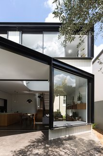 Unfurled House By Christopher Polly Architect - Photo 5 of 21 -