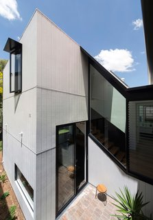 Unfurled House By Christopher Polly Architect - Photo 3 of 21 -