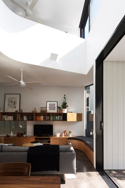 Photo 12 of 22 in Unfurled House By Christopher Polly Architect