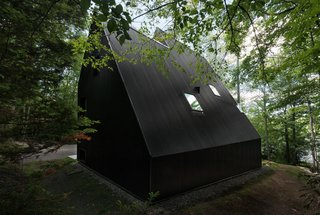 FAHouse: A Double Triangular House in the Forest - Photo 6 of 22 -
