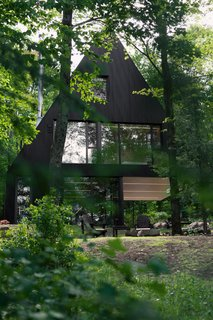 FAHouse: A Double Triangular House in the Forest - Photo 5 of 22 -