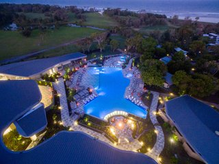 An Eco-Friendly Resort in Idyllic Byron Bay, Australia - Photo 3 of 10 -