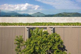 A Modern Beachfront House in São Sebastião, Brazil - Photo 12 of 14 -