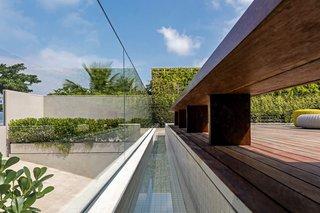 A Modern Beachfront House in São Sebastião, Brazil - Photo 11 of 14 -